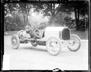 1909_louis_chevrolet_in_a_buick